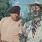 Evgeniy Morgunov and Georgiy Vitsin in Pyos Barbos i neobychnyj kross (1961)