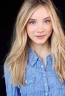 Jessica Treska Picture