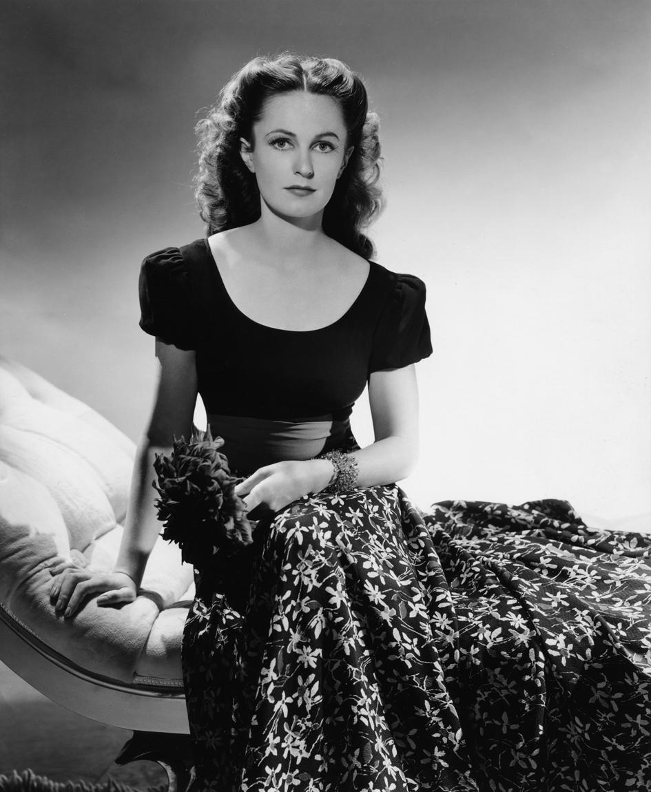 Geraldine Fitzgerald in 'Til We Meet Again (1940)