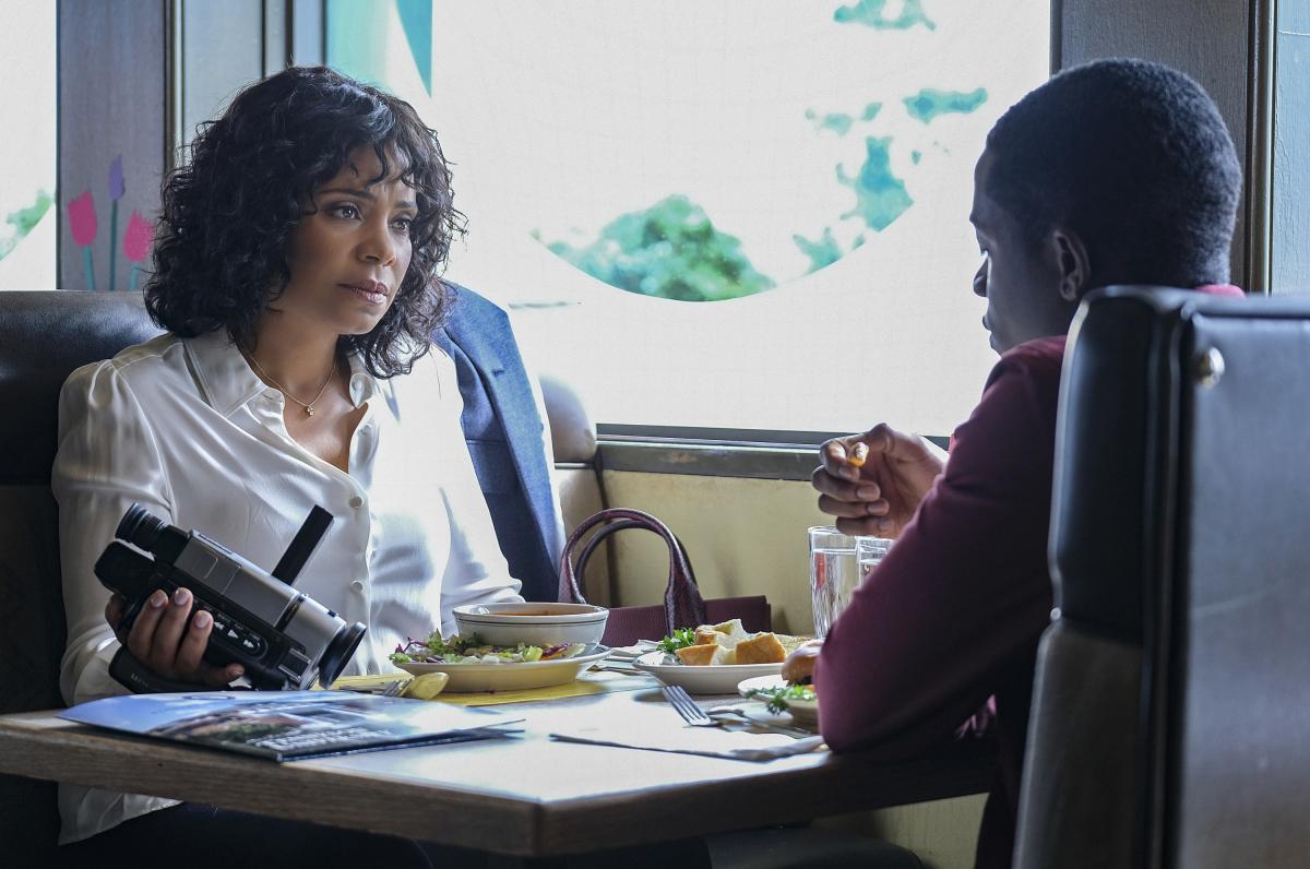 Sanaa Lathan and Damson Idris in The Twilight Zone (2019)