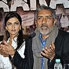 Prakash Jais and Deepika Padukone in Apaharan (2005)