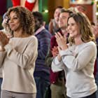 Holly Robinson Peete, Daryl Shuttleworth, Ashley Williams, and Chris Cope in Christmas in Evergreen (2017)