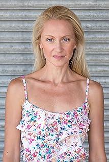 Elizabeth Parisi Picture