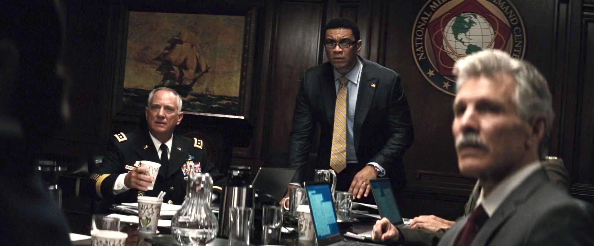 Harry Lennix and Greg Violand in Batman v Superman: Dawn of Justice (2016)