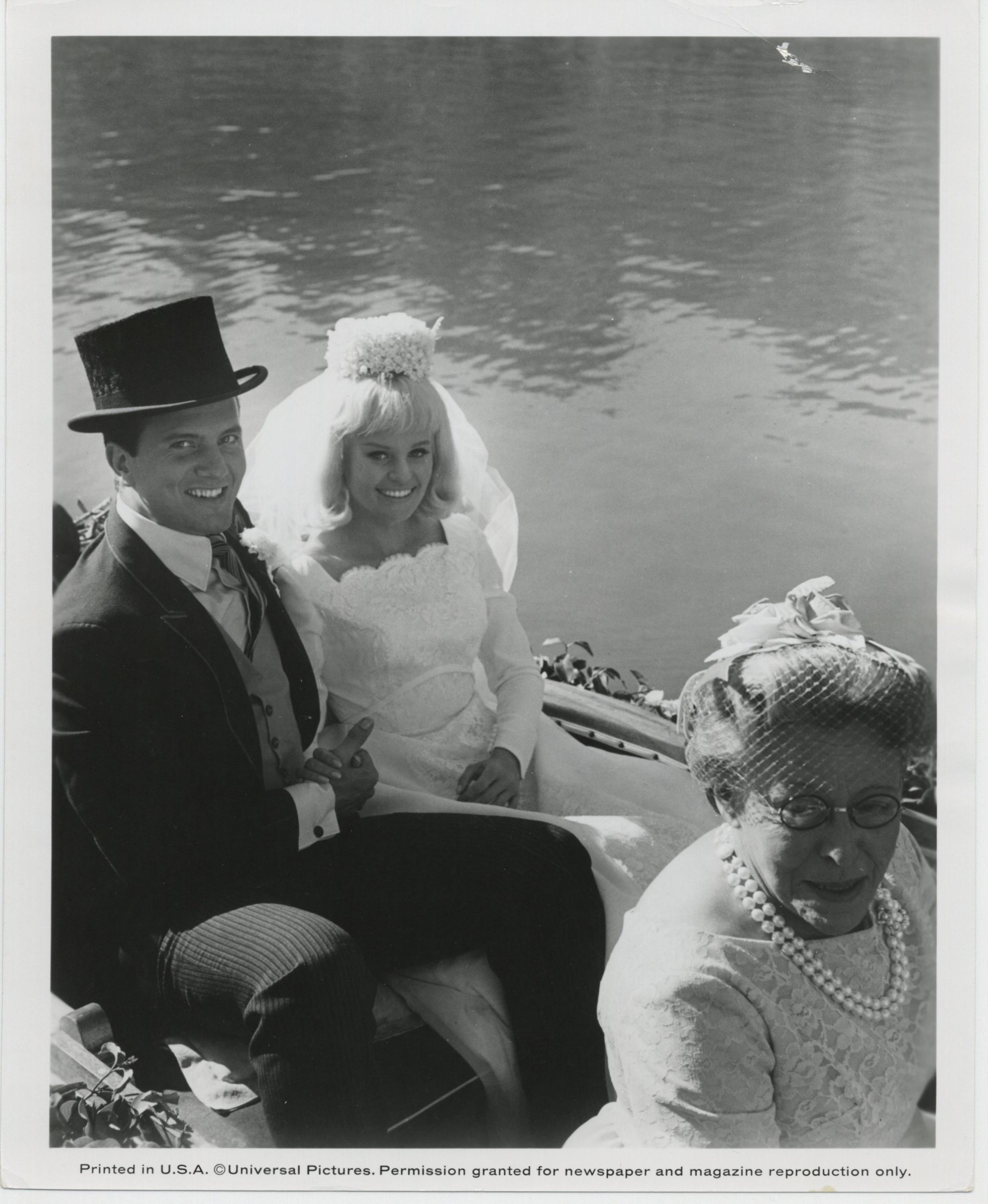 Pat Boone, Pamela Austin, and Doris Packer in The Perils of Pauline (1967)