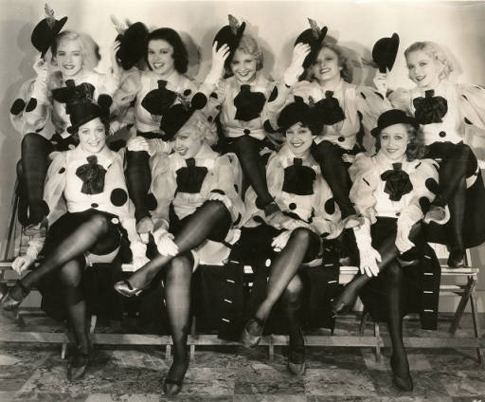 Loretta Andrews, Joan Barclay, Muriel Barrett, Lynn Browning, Edna Callahan, Maxine Cantway, Margaret Carthew, Virginia Dabney, and Ruth Eddings in 42nd Street (1933)