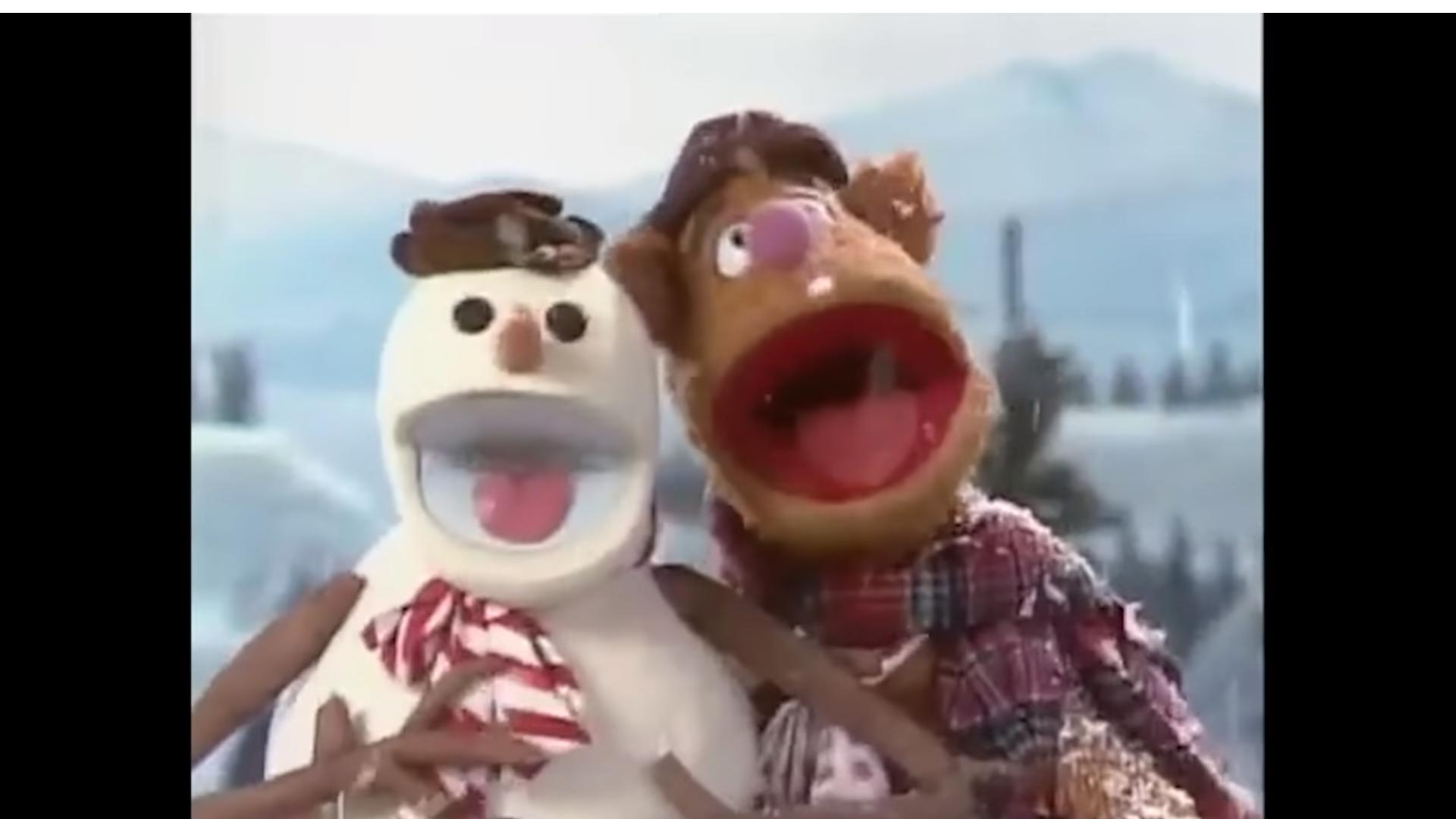 Frank Oz and Richard Hunt in A Muppet Family Christmas (1987)