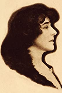 Constance Crawley Picture