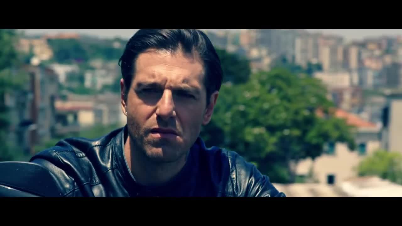 SCARICA FILM AMMORE E MALAVITA
