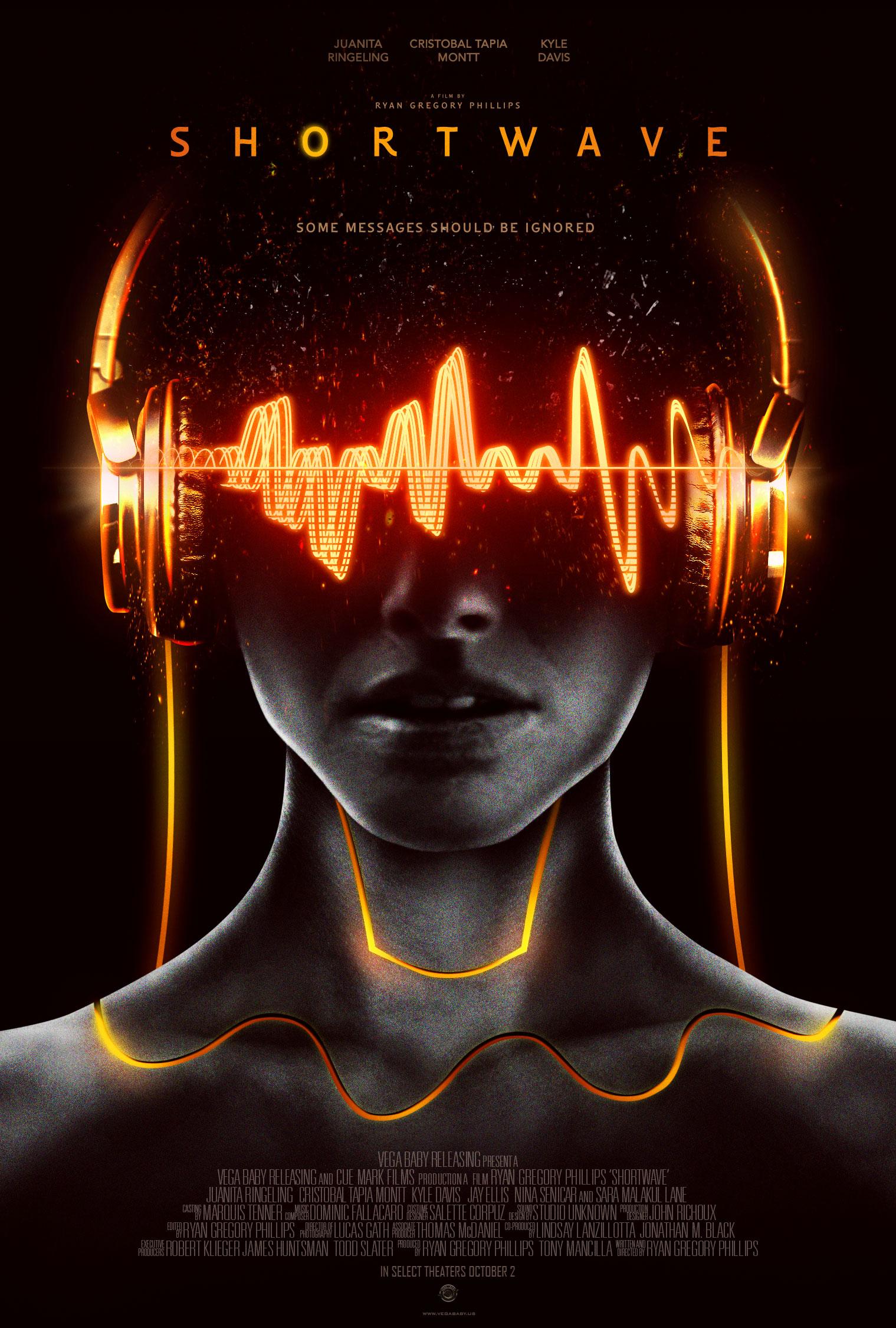 Kyle Davis, Jay Ellis, Sara Malakul Lane, Cristobal Tapia Montt, and Juanita Ringeling in Shortwave (2016)