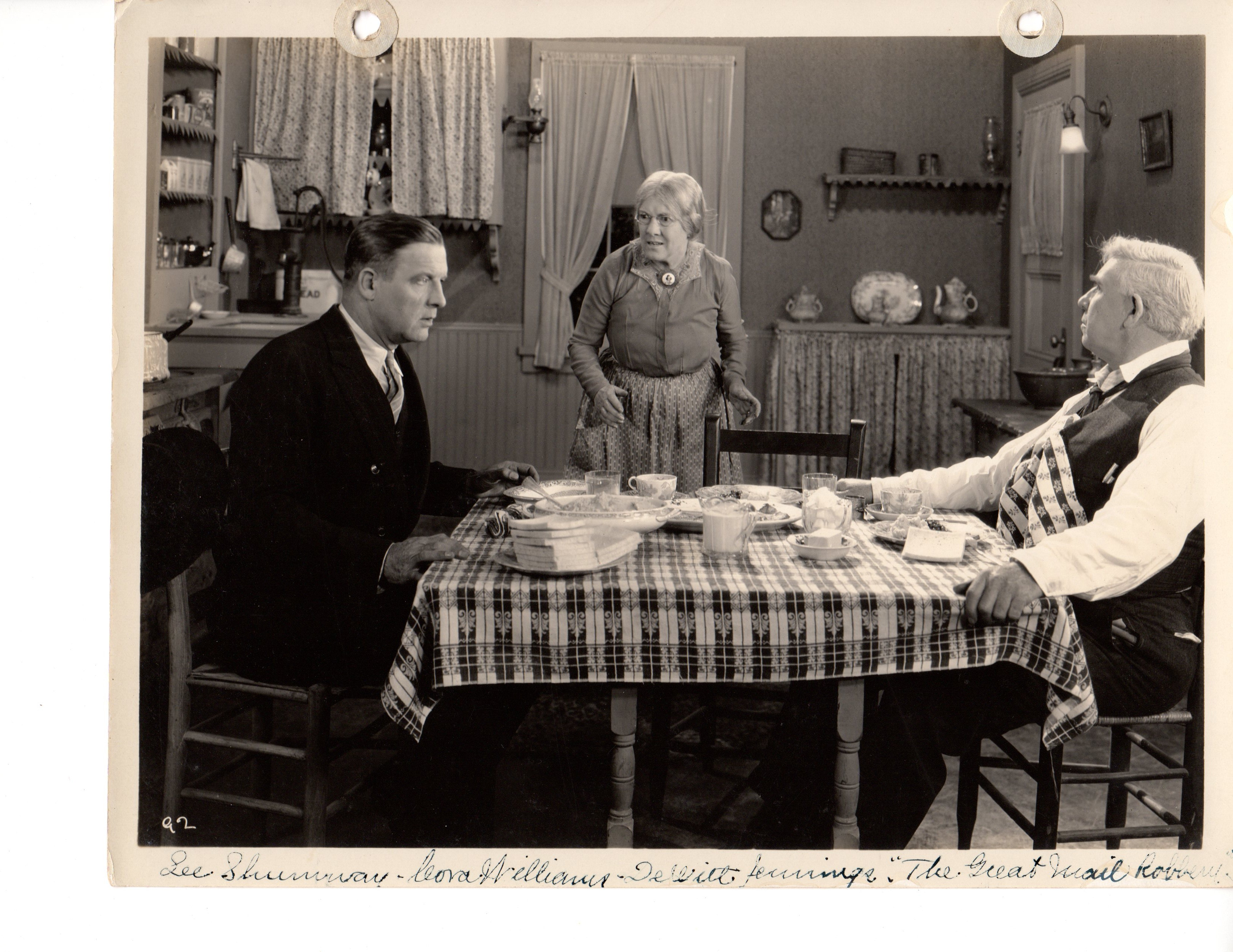 Lee Shumway and Cora Williams in The Great Mail Robbery (1927)