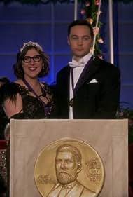 Mayim Bialik and Jim Parsons in The Big Bang Theory (2007)