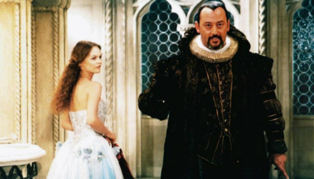 Jean Reno and Vanessa Paradis in Un amour de sorcière (1997)