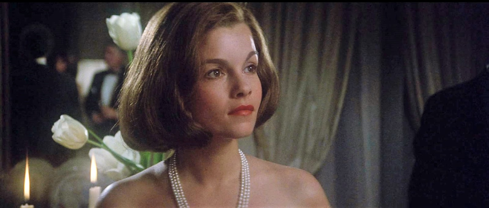 picture Genevieve Bujold