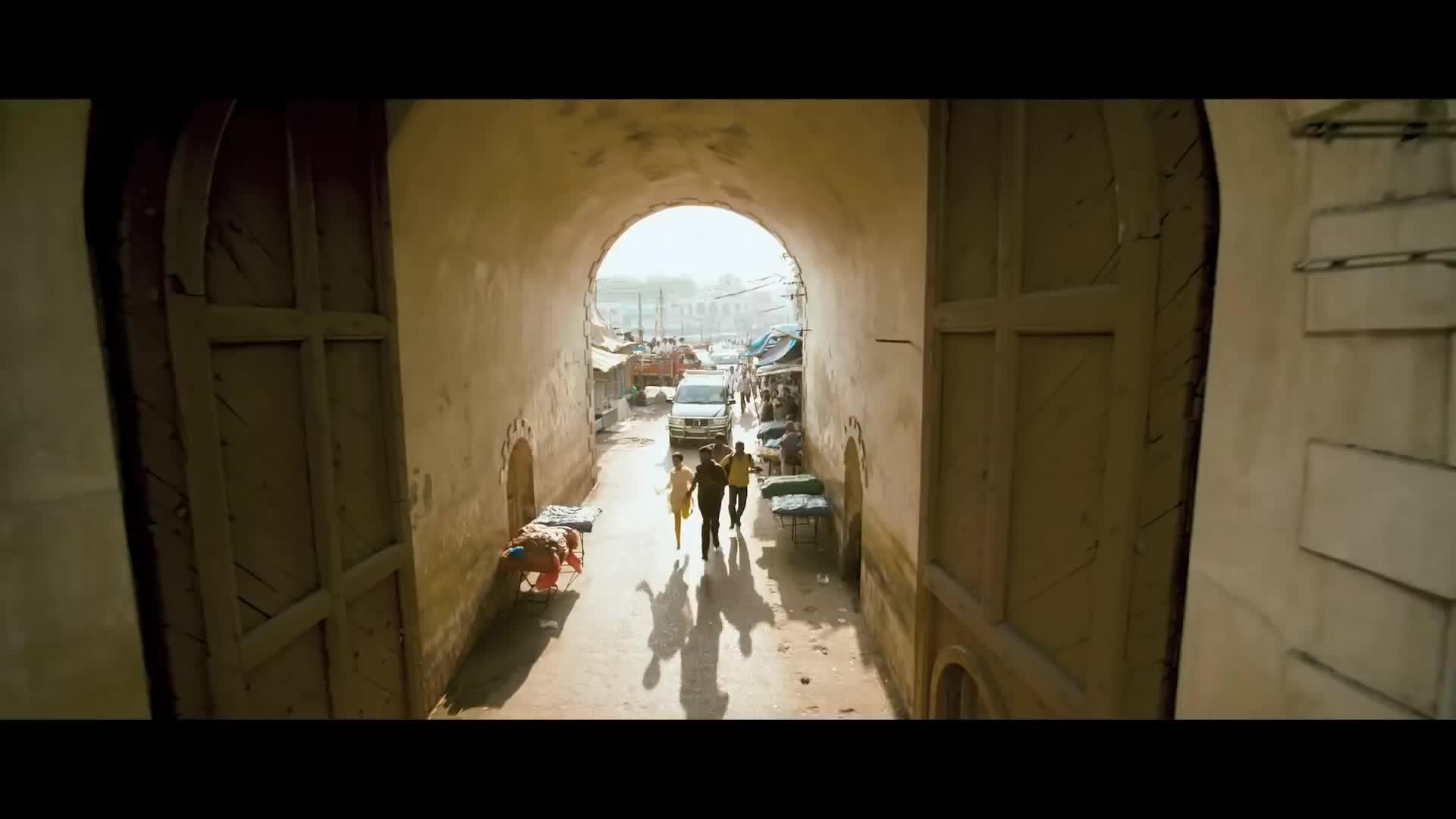 Pattathu Yaanai Trailer