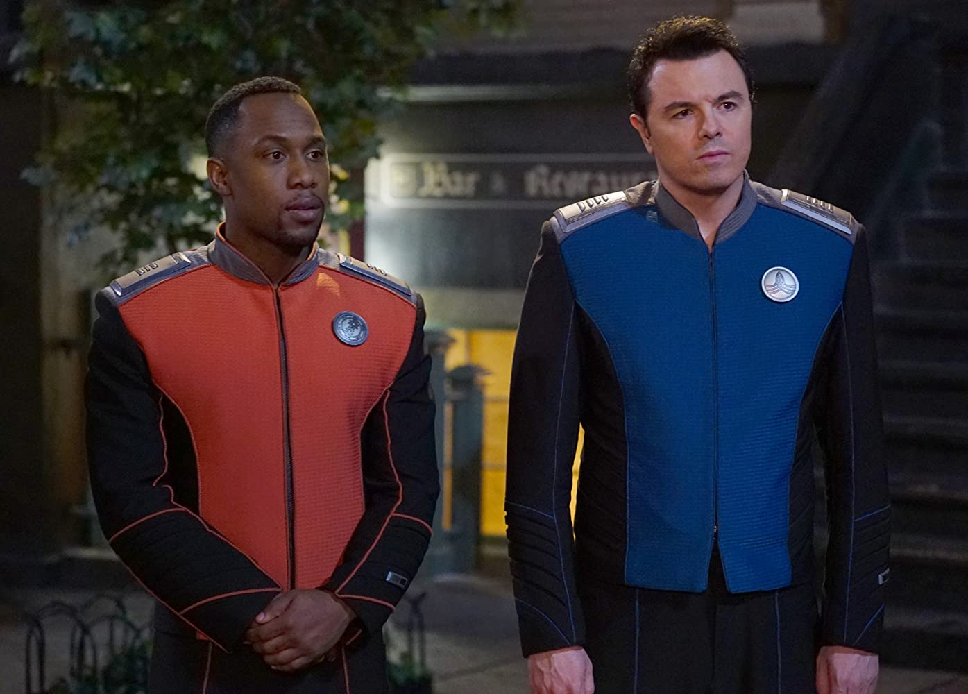 Seth MacFarlane and J. Lee in The Orville (2017)