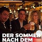 Hans Löw, Bastian Pastewka, and Alessija Lause in Sommer nach dem Abi (2019)