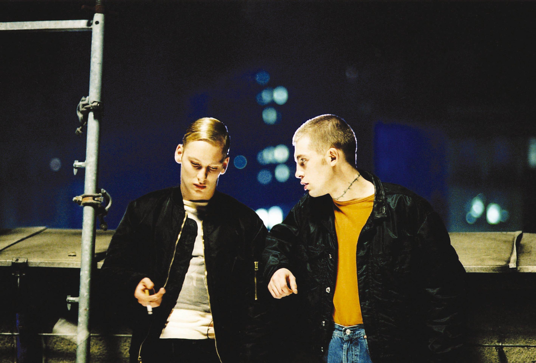 Christian Blümel and Aaron Hildebrand in Führer Ex (2002)