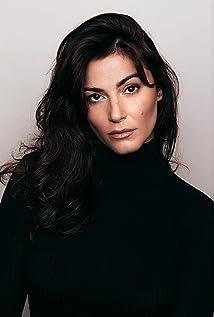 Elysia Rotaru Picture