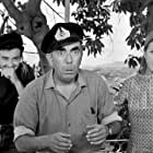 Mary Aroni, Andreas Douzos, and Dionysis Papagiannopoulos in Fouskothalassies (1966)