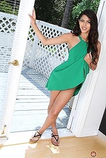 Sophia Leone Picture