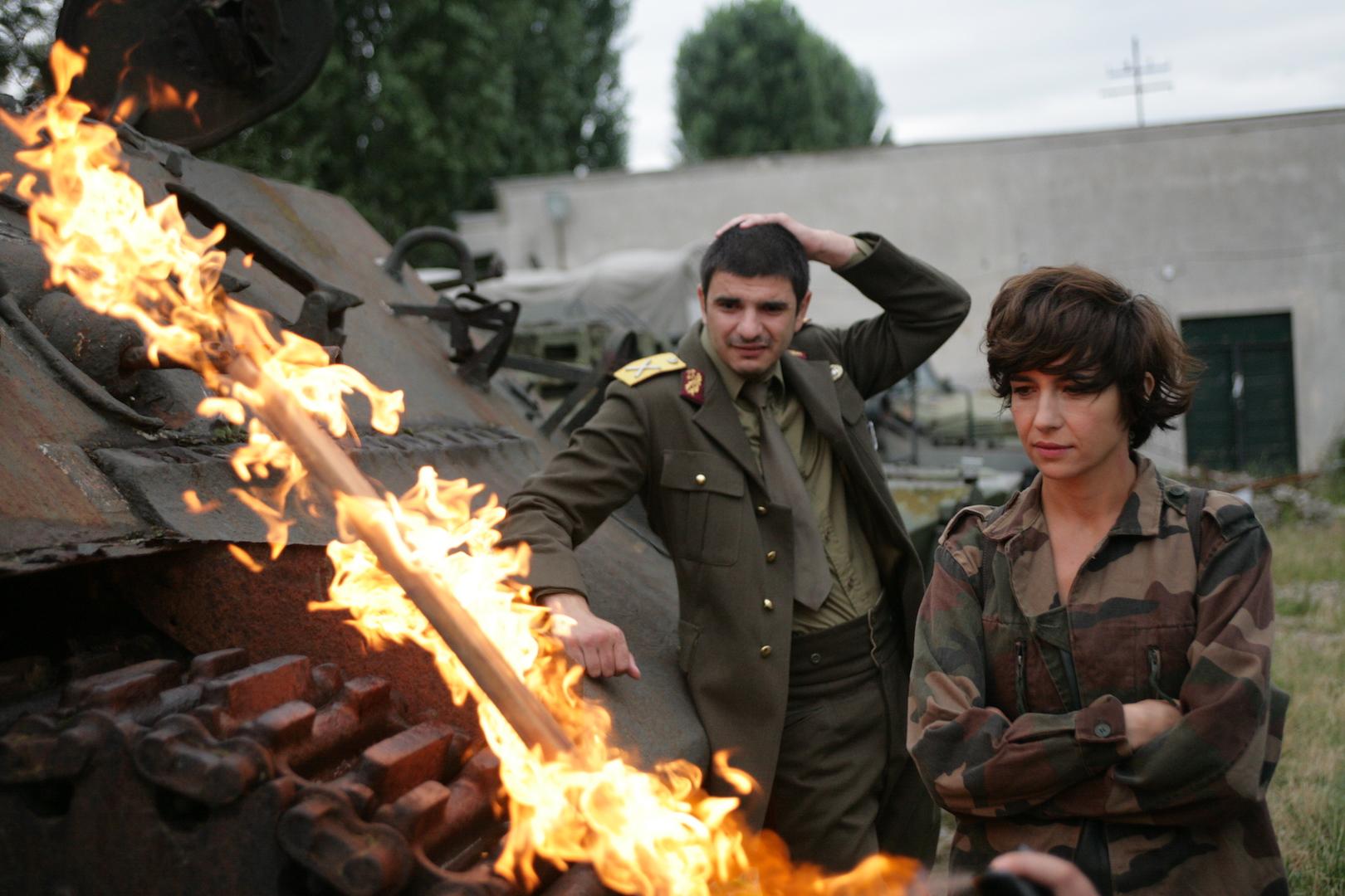 Ioana Iacob and Alex Bogdan in Îmi este indiferent daca în istorie vom intra ca barbari (2018)