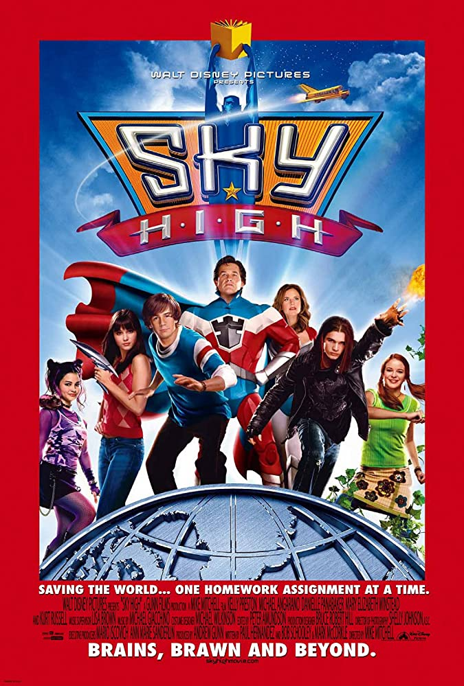 Kelly Preston, Kurt Russell, Michael Angarano, Mary Elizabeth Winstead, Danielle Panabaker, Steven Strait, and Kelly Vitz in Sky High (2005)