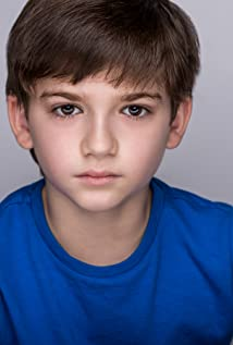 Zachary Golinger Picture