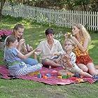 Nelly Hoffmann, Hannes Gwiasda, Julian König, Pauline Angert, and Anne Sophie Triesch in Familie Dr. Kleist (2004)