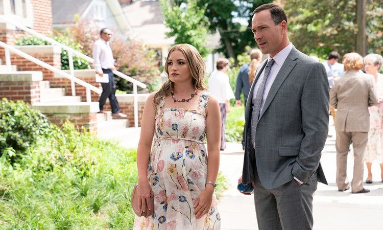 Chris Klein and Jamie Lynn Spears in Pour It Out (2020)