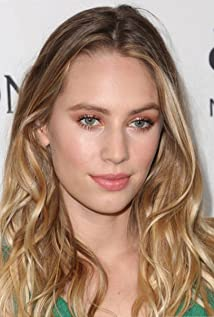 Dylan Penn Picture