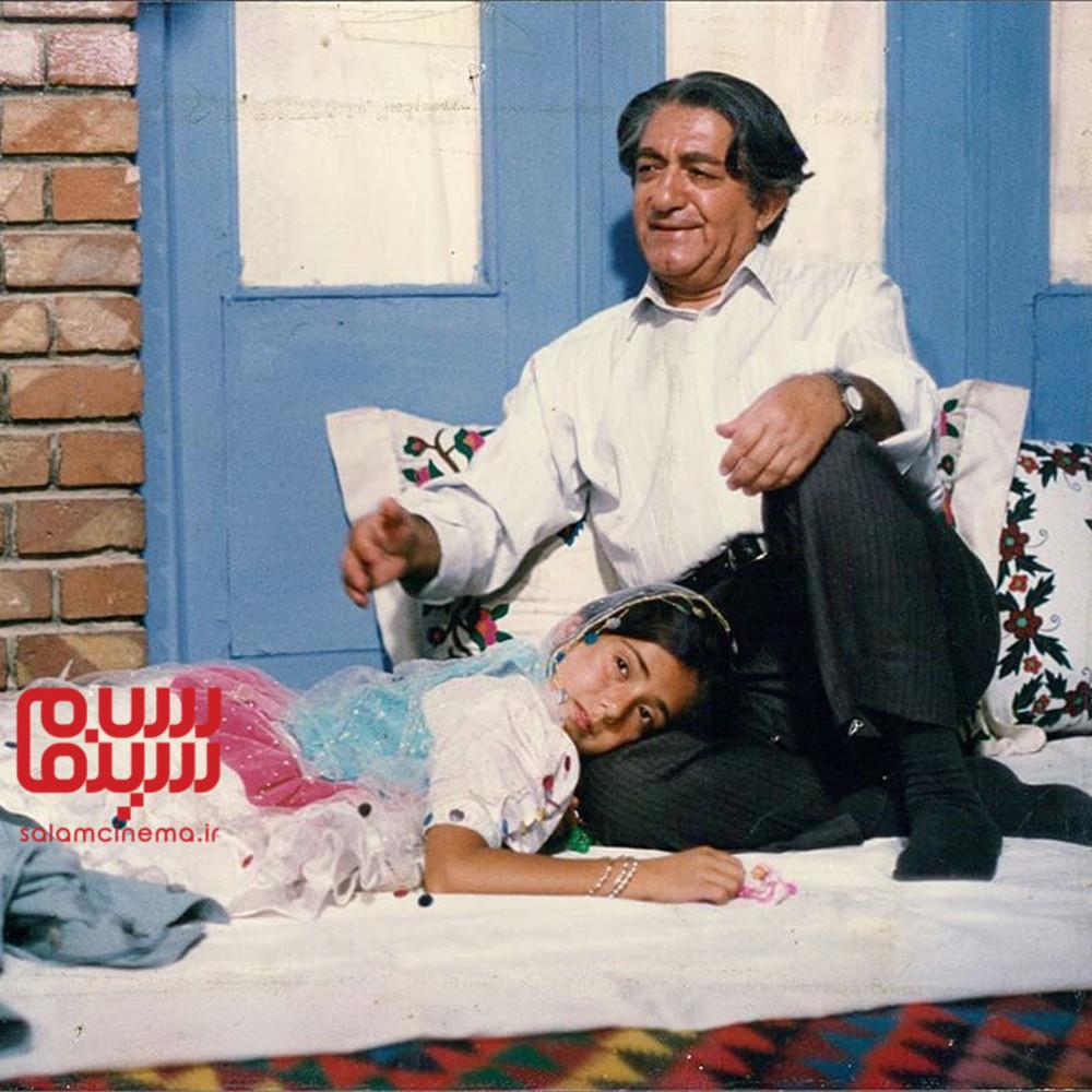Ezzatolah Entezami and Baran Kosari in Rusari Abi (1995)