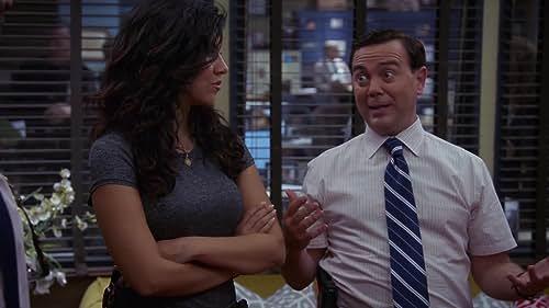 Brooklyn Nine-Nine: Terry, Rosa And Charles Furnish The Precinct