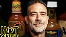 Jeffrey Dean Morgan Can't Feel His Face While Eating Spicy Wings