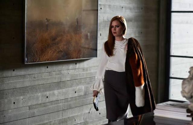 Amy Adams dalam film Nocturnal Animals (2016)