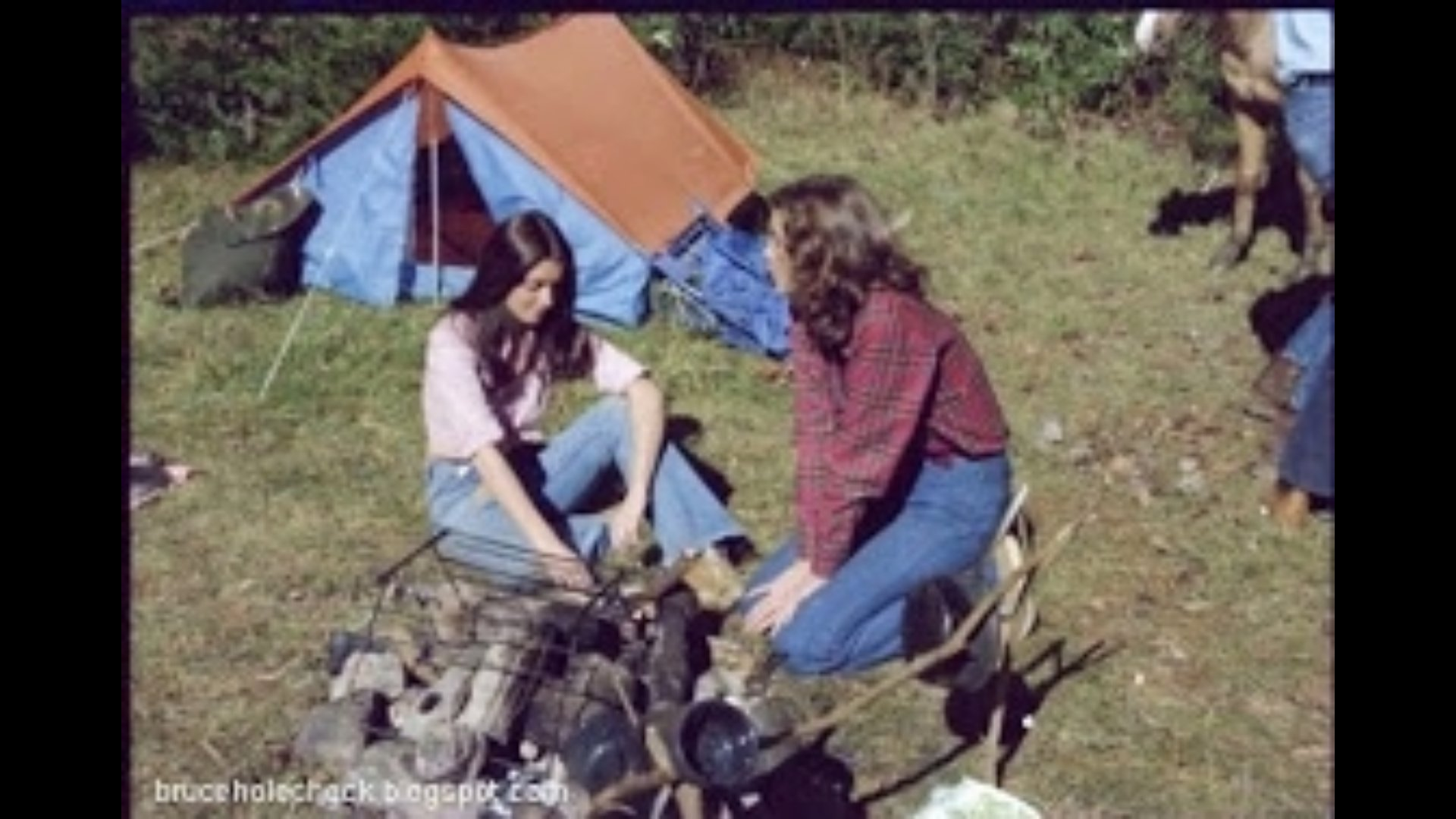 Mary Ann Hearn and Kathy Rickman in Grizzly (1976)
