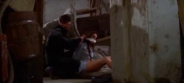 Antoine Saint-John and Cristina Galbó in L'assassino è costretto ad uccidere ancora (1975)