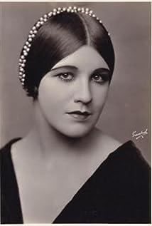 Nina Romano Picture