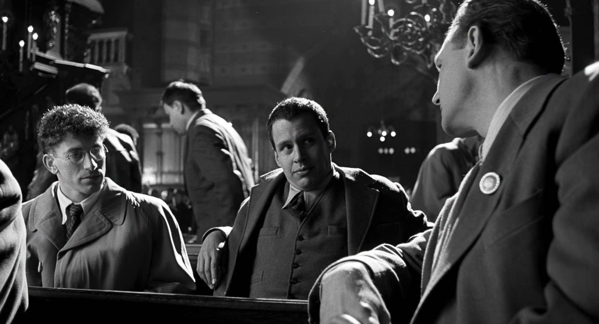 Liam Neeson, Mark Ivanir, and Jonathan Sagall in Schindler's List (1993)