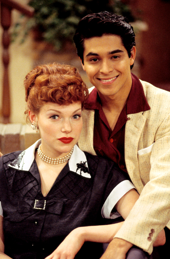 Lisa Robin Kelly -- who played Eric Formans older sister on That 70s Show -- has died.