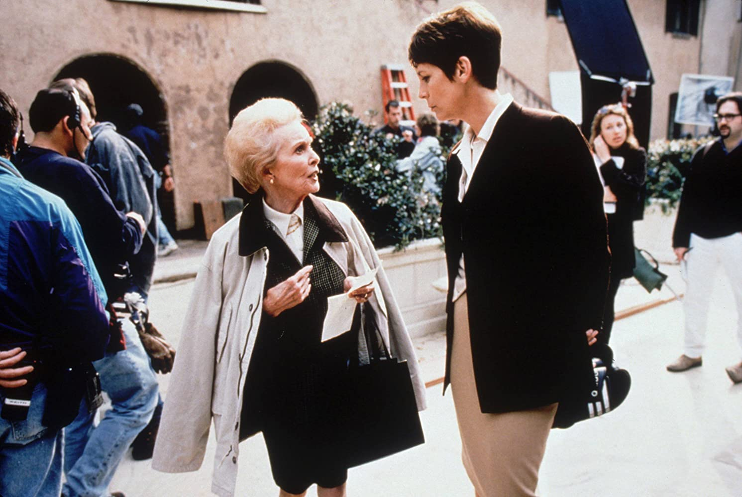 Jamie Lee Curtis and Janet Leigh in Halloween H20: 20 Years Later (1998)