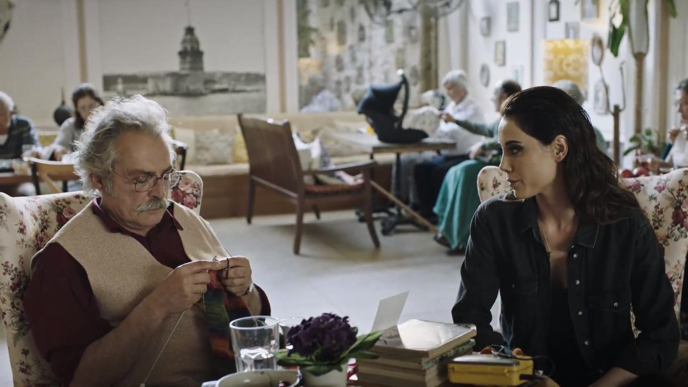 Haluk Bilginer and Cansu Dere in Sahsiyet (2018)