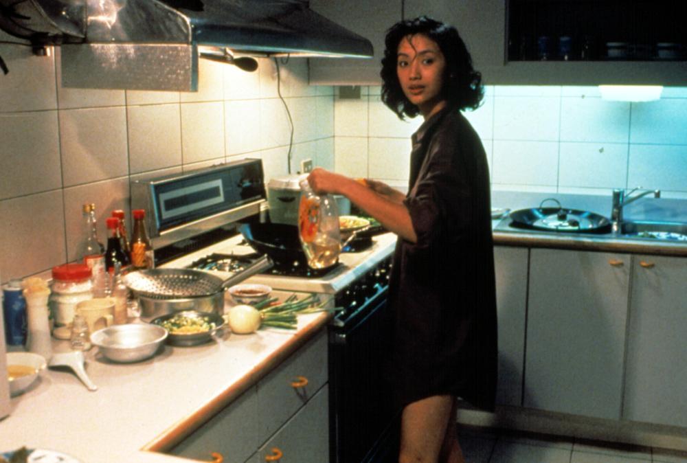Chien-Lien Wu in Yin shi nan nu (1994)