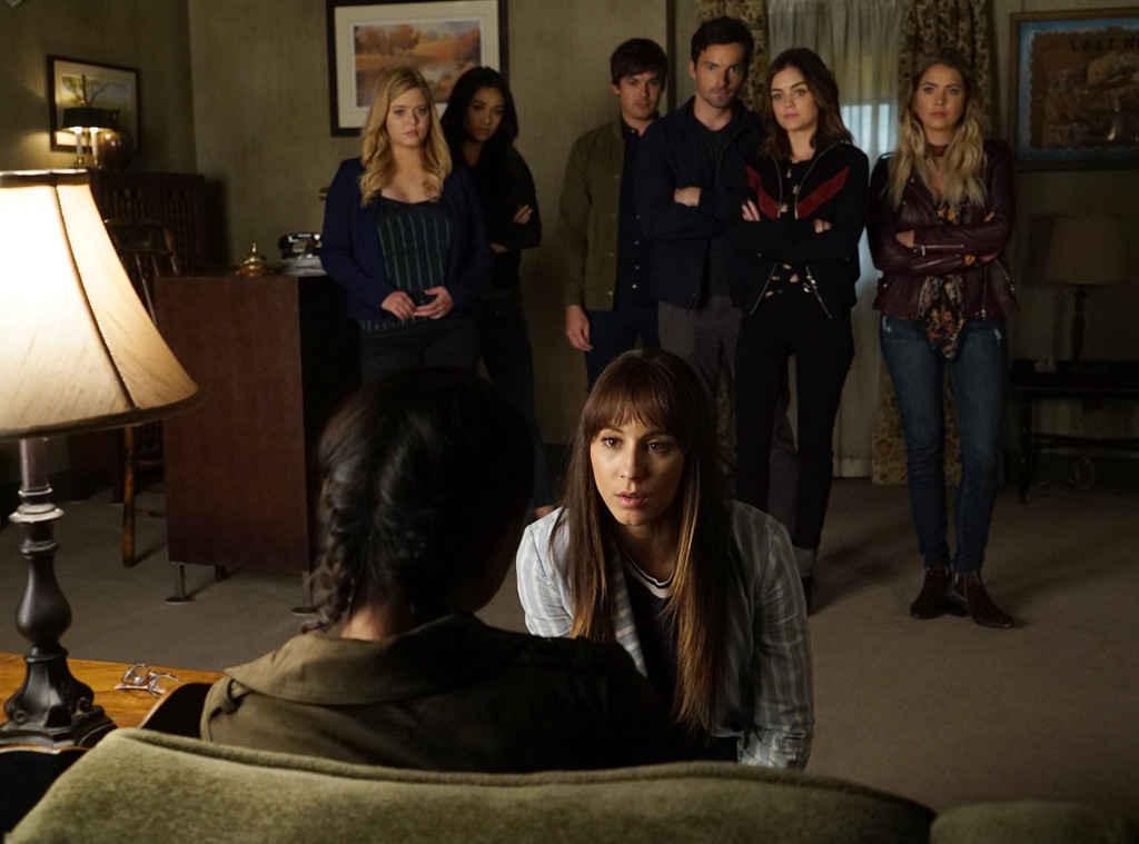 Troian Bellisario, Sasha Pieterse, Lucy Hale, Ashley Benson, Tyler Blackburn, Ian Harding, and Shay Mitchell in Pretty Little Liars (2010)