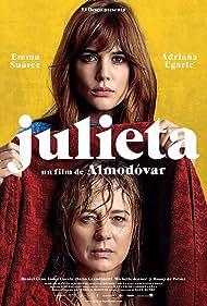 Emma Suárez and Adriana Ugarte in Julieta (2016)