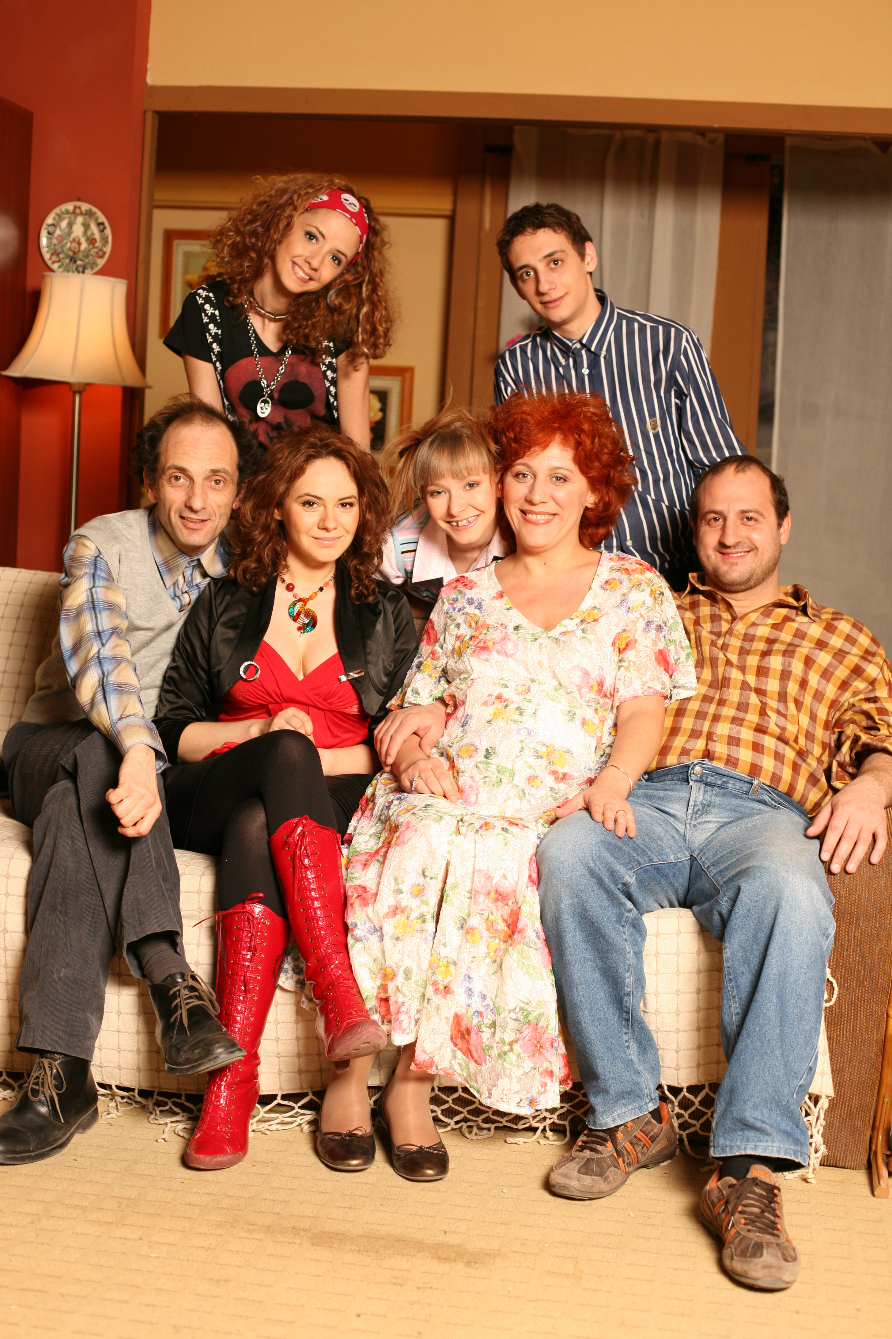 Arestat la domiciliu (TV Series 2008– ) - IMDb