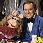 Andy Williams and Miss Piggy in The Andy Williams Show (1962)