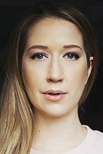 Lindsay-Elizabeth Hand Picture