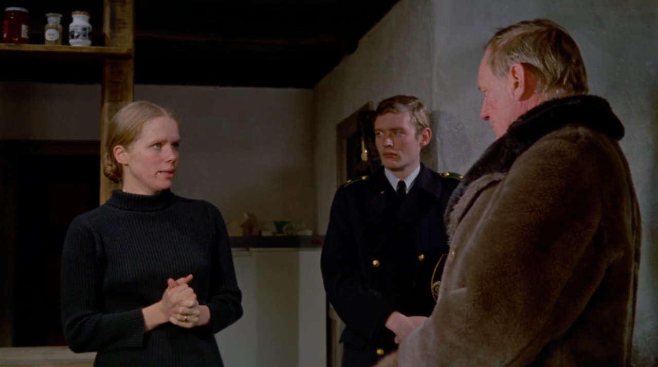 Trevor Howard, Jim Kennedy, and Liv Ullmann in The Night Visitor (1971)