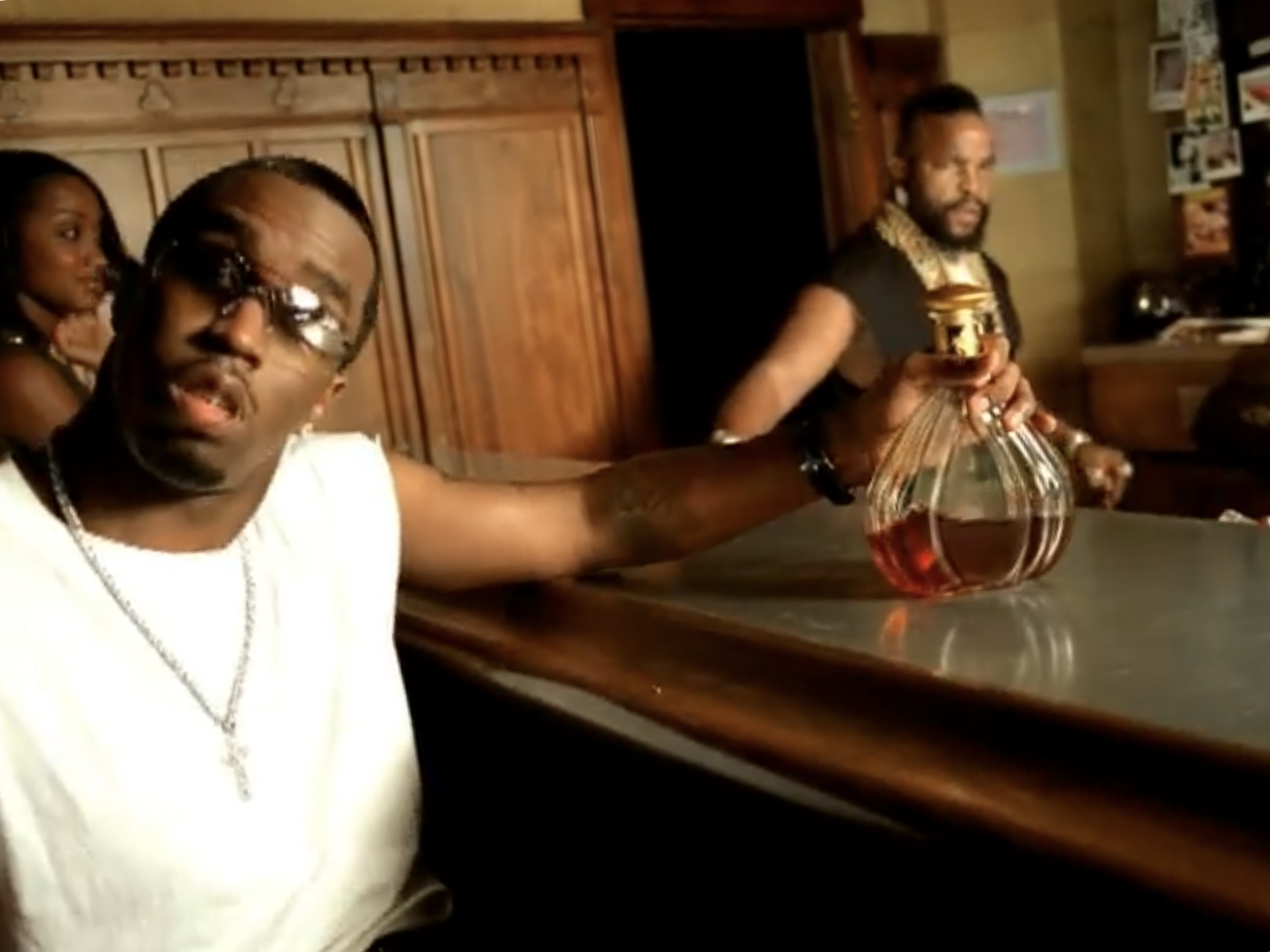 Busta Rhymes Feat. P. Diddy & Pharrell: Pass the Courvoisier, Part II (2002)